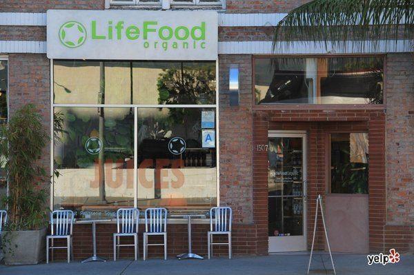 LifeFood Organic opens in Hollywood, California